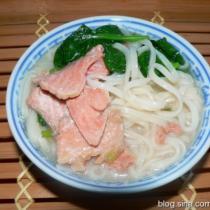 三文魚菠菜麵