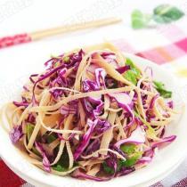 紫甘藍拌豆腐絲的做法