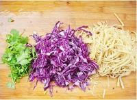 紫甘藍拌豆腐絲的做法圖解2