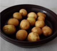 菠蘿醬汁咕嚕土豆球的做法圖解4