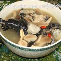 烏雞洋參菌菇煲
