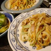 黑椒火腿蘑菇蔬菜義麵