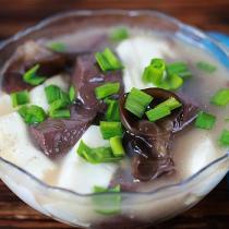雞血豆腐湯