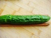 蓑衣黃瓜的做法圖解1