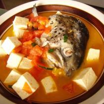 三文魚頭豆腐湯的做法