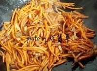 胡蘿卜炒肉絲的做法圖解7
