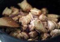 豬肉燉茄乾的做法圖解4