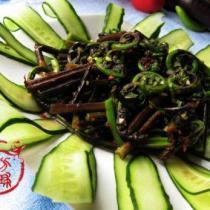 涼拌水蕨菜