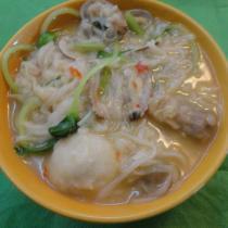 魚丸花蛤白果麵