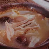 糯米酒糟花菇煲老雞