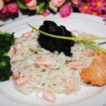 欖菜三文魚拌麵