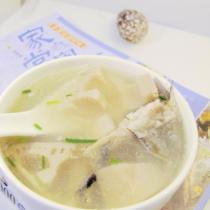 鰻魚骨蓮藕湯
