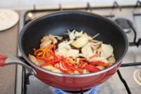 蒜苗鹽煎肉的做法圖解5