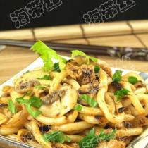 蘑菇洋蔥燴烏冬麵