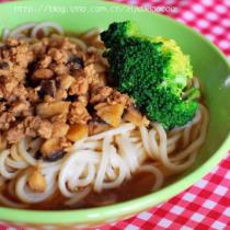 香菇肉花麵