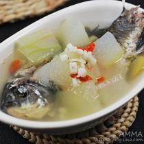 冬瓜薏仁鯽魚湯