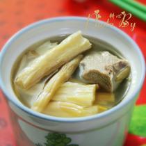 金針菜腐竹排骨湯