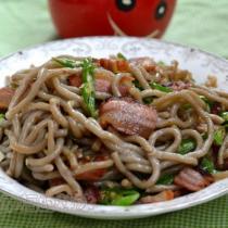 臘肉炒筱麵