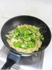 青椒炒乾豆腐的做法圖解11