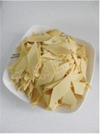 青椒炒乾豆腐的做法圖解1