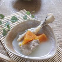 木瓜雞爪豬骨湯