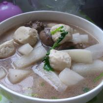 鴨肝魚丸白蘿卜湯