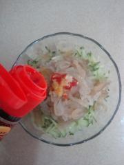涼拌海蜇黃瓜塔的做法圖解6