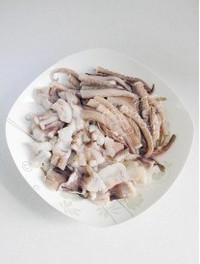 芹菜豆乾炒魷魚須的做法圖解1