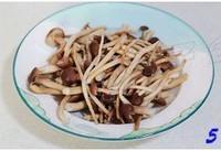 茶樹菇炒咸肉的做法圖解5