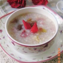 月季花桂圓糯米粥