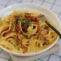 椰漿蟲草花義麵