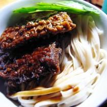 濃汁帶魚麵