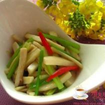 杏鮑菇炒芹菜的做法