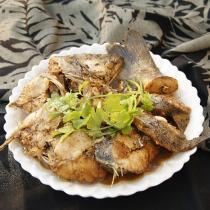 燜海鱸魚的做法