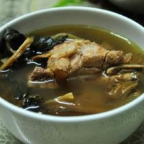 菜乾龍骨湯