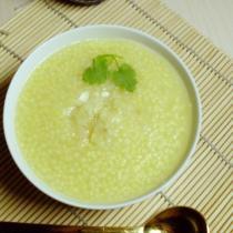 蒜香小米粥