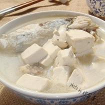 魚鰾魚頭豆腐湯
