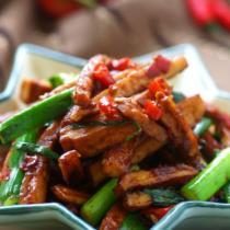 蒜苗辣炒醬香乾的做法