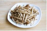 咸肉茶樹菇的做法圖解1