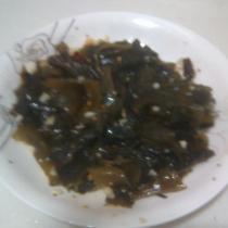 涼拌地皮菜