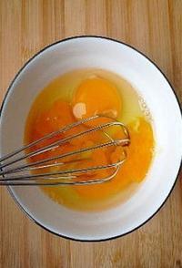 西瓜皮炒雞蛋的做法圖解5