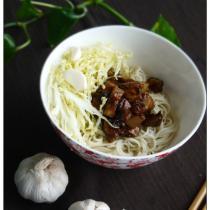 瑤柱鮑菇炸醬麵