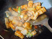 紅燒肉燉土豆的做法圖解9