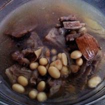 土茯苓牛排湯