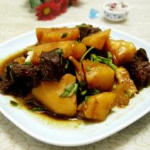 土豆燉牛肉的做法