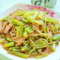 芹菜炒粉條的做法