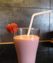 草莓奶昔的做法圖解5