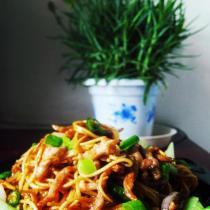 蠔油肉絲炒麵