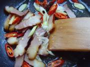 臘肉炒筍尖的做法圖解3