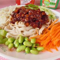 杏鮑菇炸醬蕎麥麵